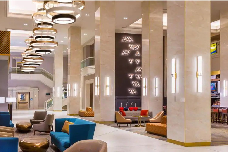 Hilton-Minneapolis-lobby